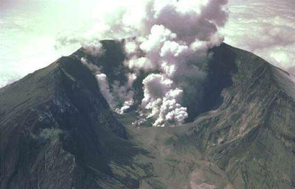 425px-volcano.jpg